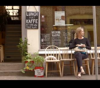Stillbild ur filmen med Asta Oliva Nordenhof.