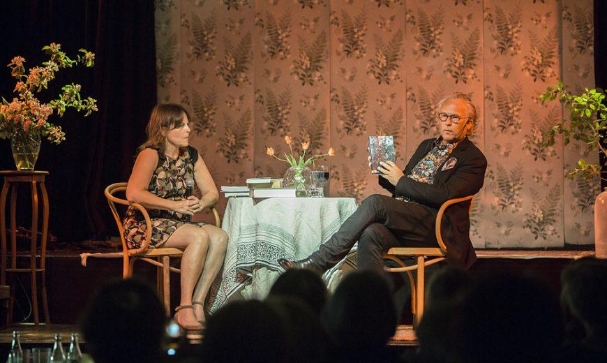 Klas Östergren i samtal med Lena Kvist. Foto: Jarmo Väyrynen